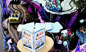 Disneyland Park | Alice in Wonderland